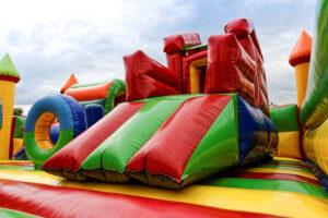 Non dimenticare di portare la famiglia! Ai più piccoli abbiamo dedicato un'area gioco specialissima con divertenti gonfiabili.